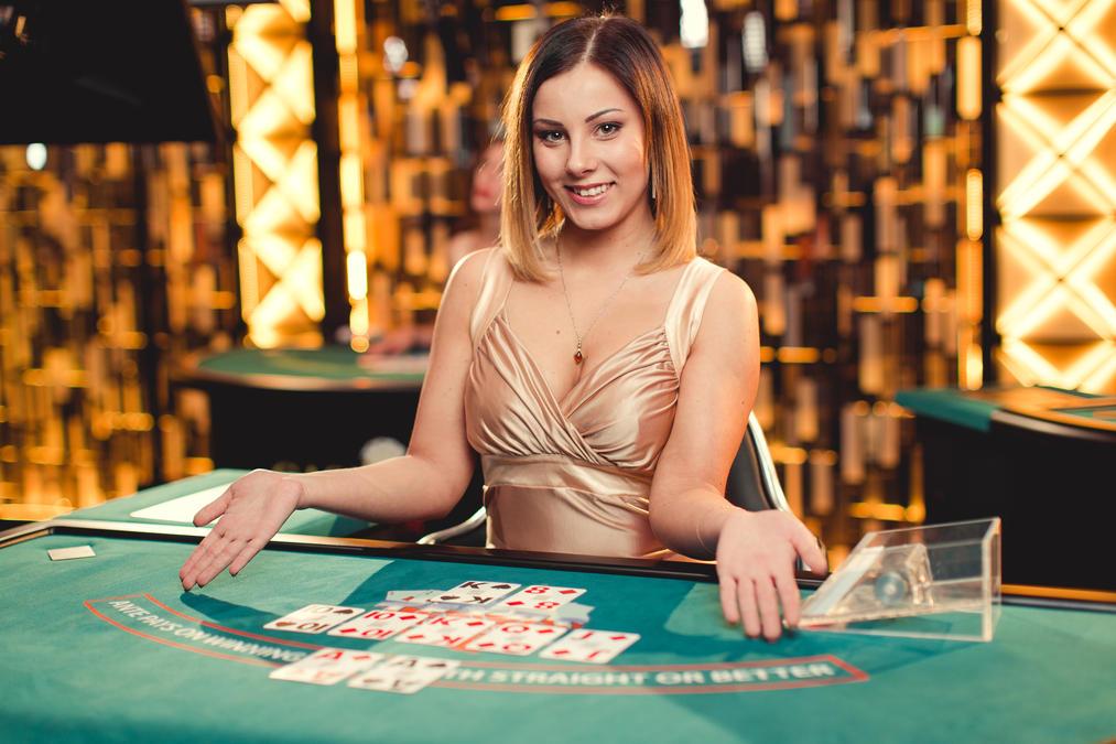 Evolution lanserar världens första live casino-version av Texas Hold'em Bonus Poker med progressiv jackpot på 50 000 euro